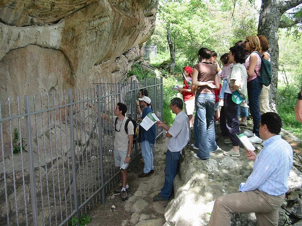 Abrigo de pinturas rupestres en Valonsadero