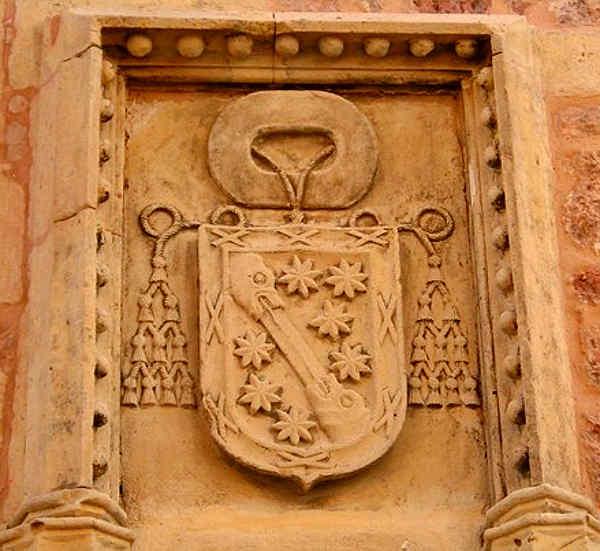 Escupo episcopal de González Manso