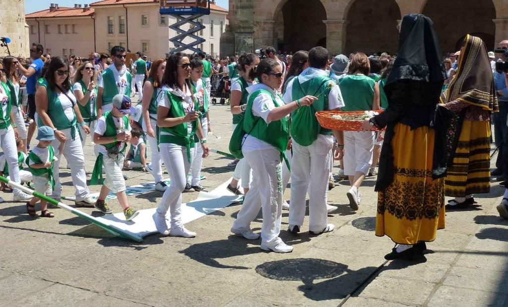 Peñas homenaje La Blanca_Sanjuanes_Soria_2015 a