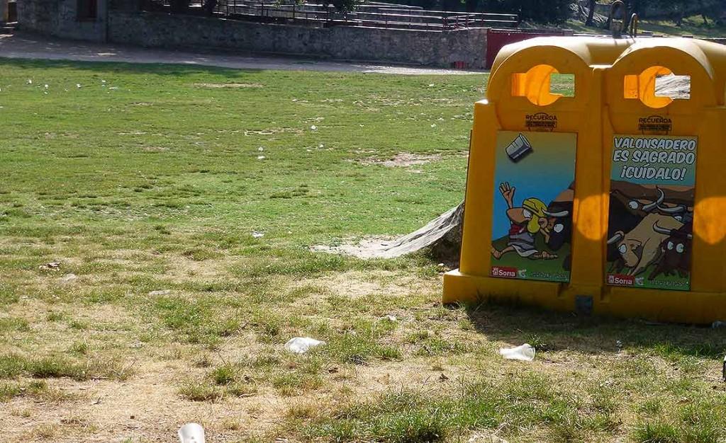 Voluntariado-recogida-basura-en-Valonsadero-2015-i