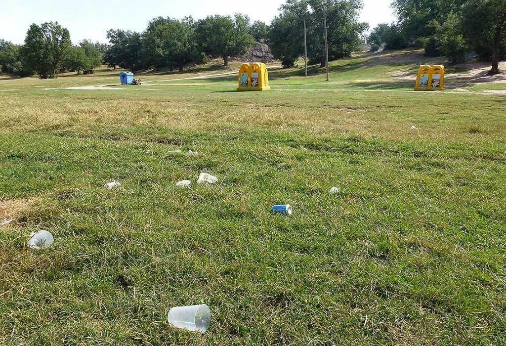 Voluntariado-recogida-basura-en-Valonsadero-2015-j