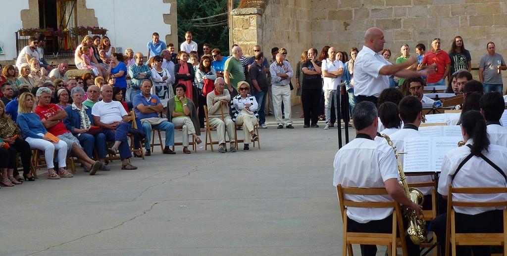 Banda-Municipal-de-Soria-en-Sotillos-del-Rincon-velada-musical-2015