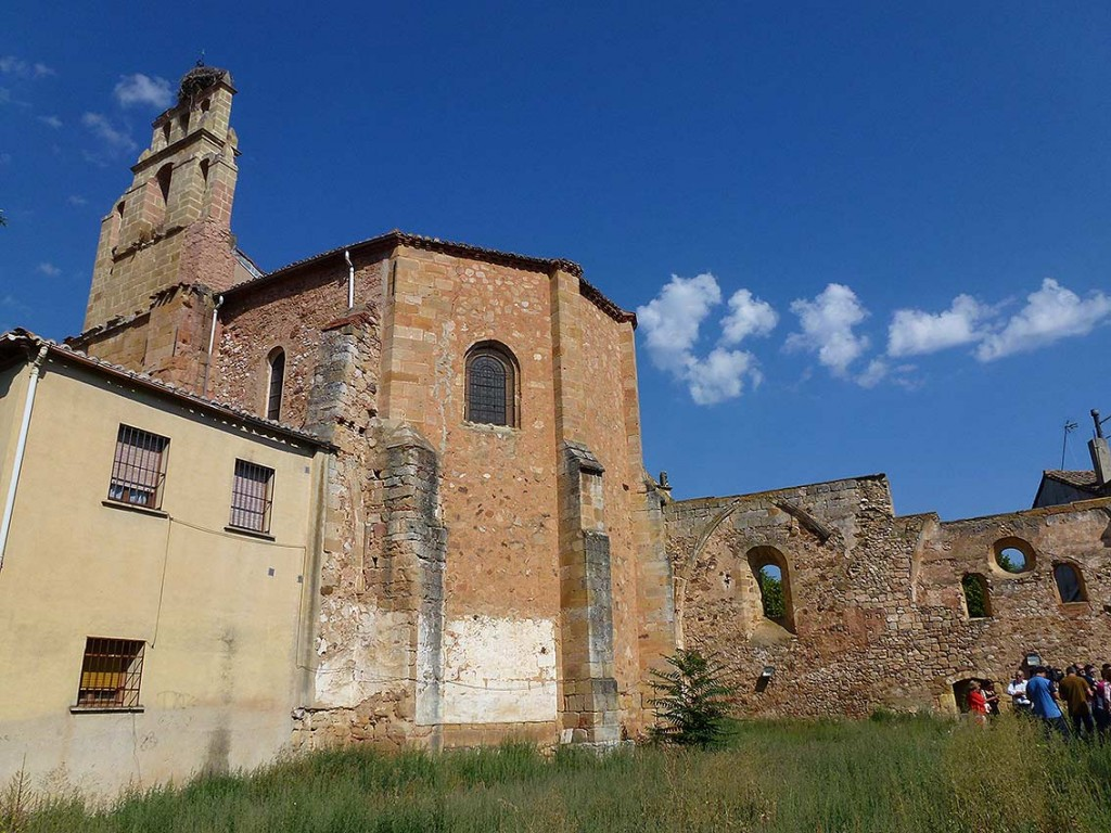 Solar-del-antigo-templo-del-convento-franciscano-de-Soria