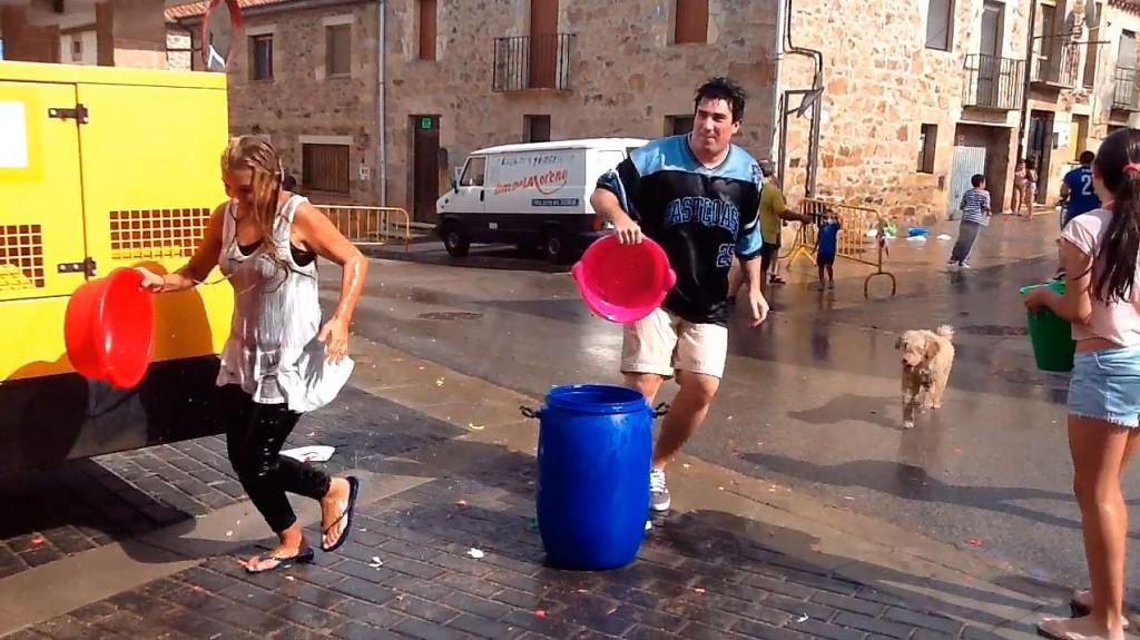 fiestas-de-Las-Casas-de-Soria-2015-agua-1