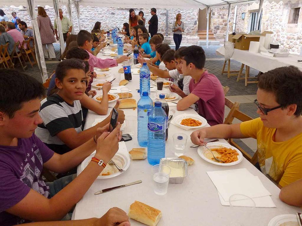 fiestas-de-Las-Casas-de-Soria-2015--escolares-1