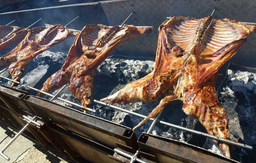 Asados de cordero ojalado en Feria de Ganado de Soria 2015