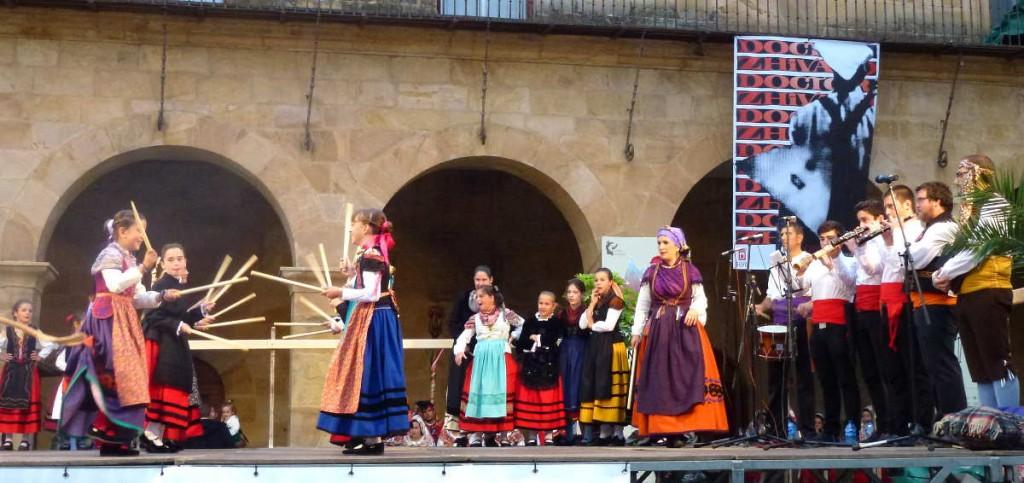 Paloteos en Grupo de Danzas Sorianas