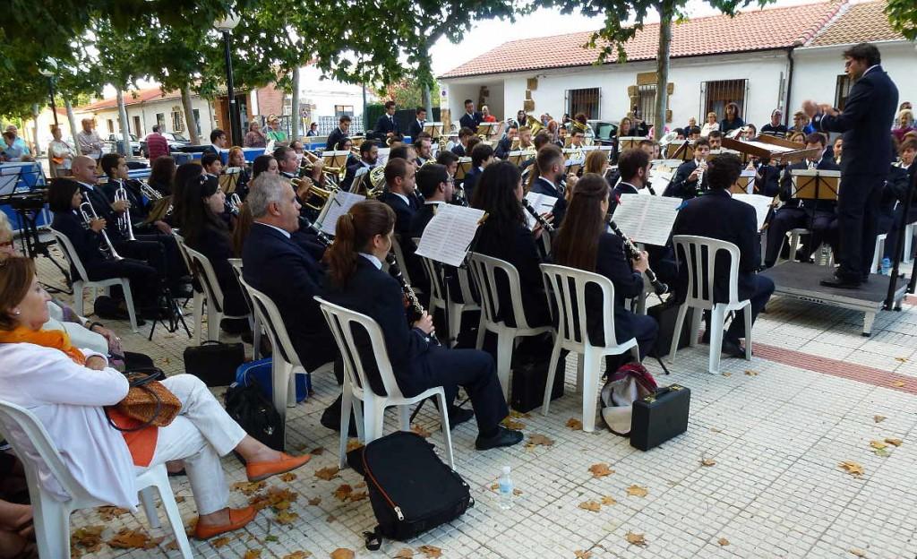 banda de musica de Soria en La BARRIADA tocando