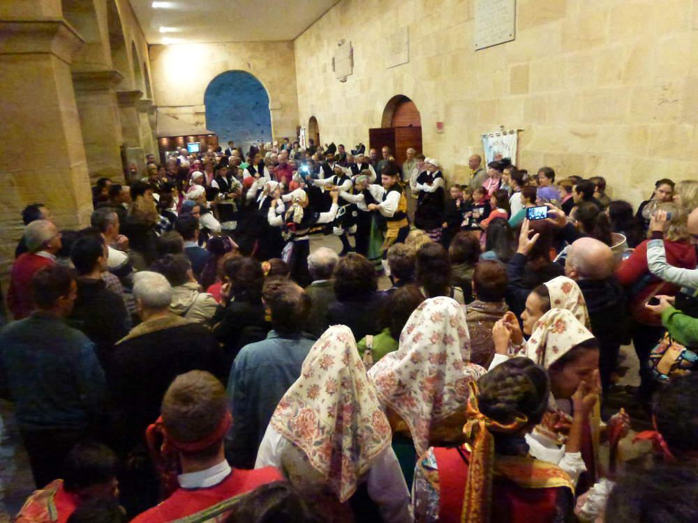 grupo rosalia de castro en festival de musica y danzas de Soria 2015