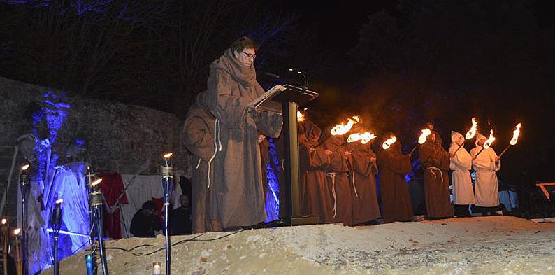 Ramon Langa declamando a Becquer en Soria Festival de las Animas