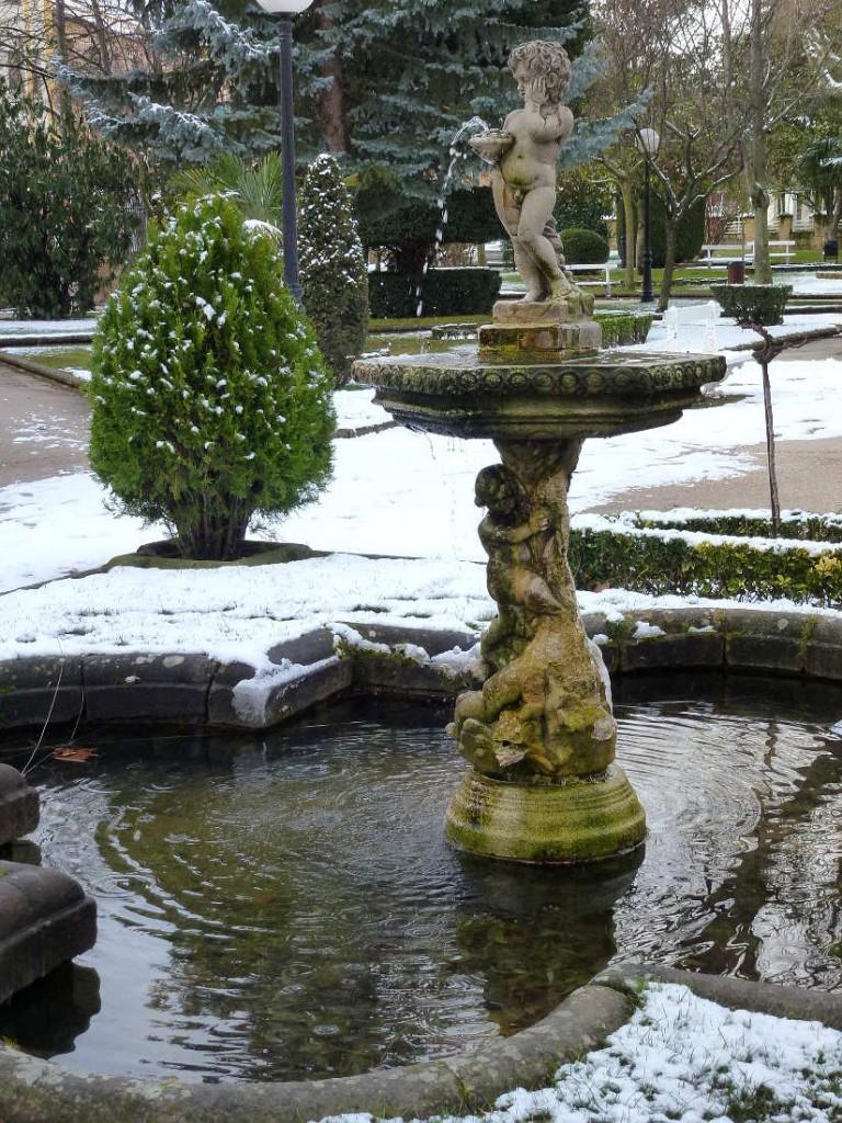 Fuente del infante en Dehesa de Soria con nieve