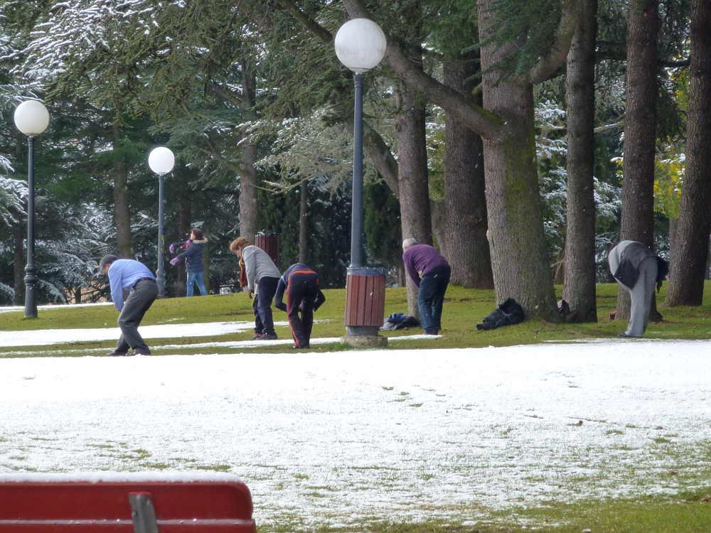 Gimnasia en Dehesa de Soria nevada