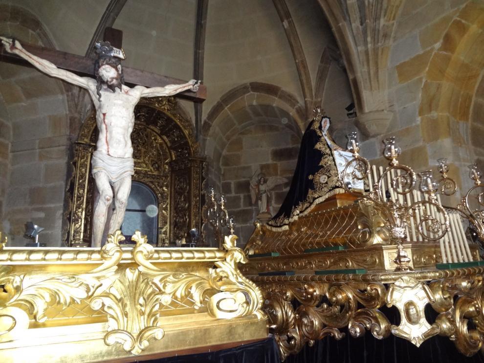 Los dos pasos procesionales de la Cofradía de la Virgen de la Soledad (foto tomada de su web)