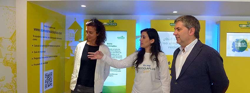 bus-de-Ecoembes-Ayuntamiento-de-Soria--y-concejal-Javier-Anton