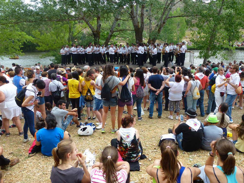 Bailas Sanjuaneras junto al Duero en Soria 2016