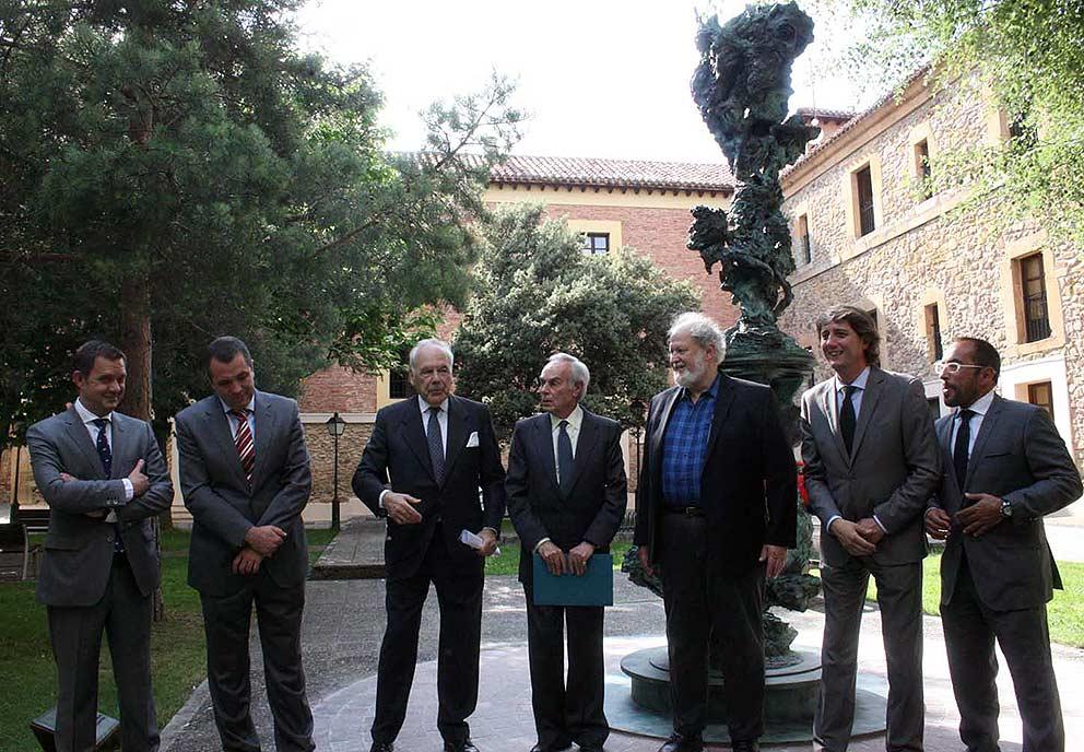 Escultura-Greg-Wyatt-Fundacion-Duques-de-Soria-autoridades
