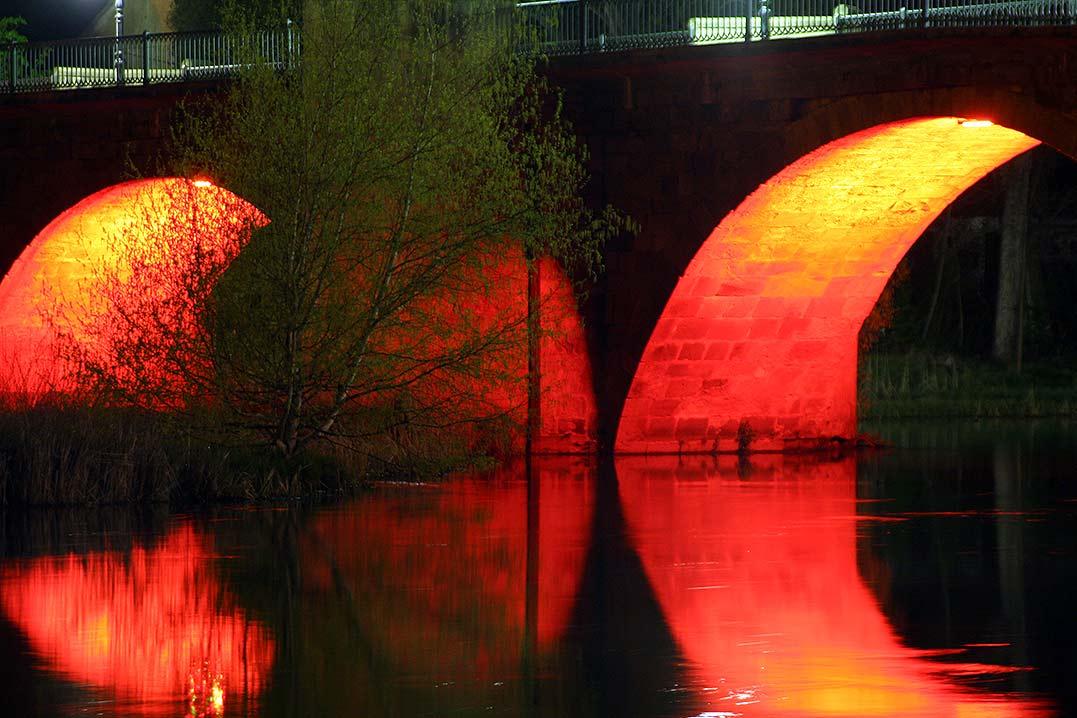 Puente-del-Duero-en-Soria-iluminado