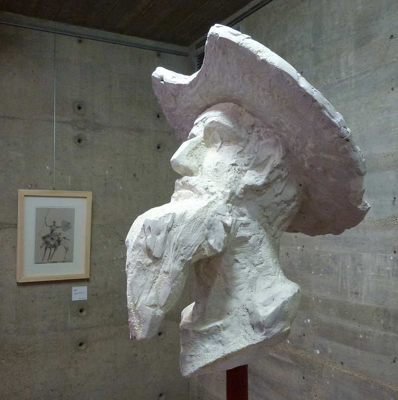 busto de Quijote por Venancio Blanco