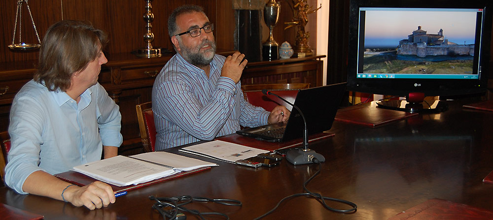 Plan-Muralla-de-Soria-presenta-Cobos-y-alcalde
