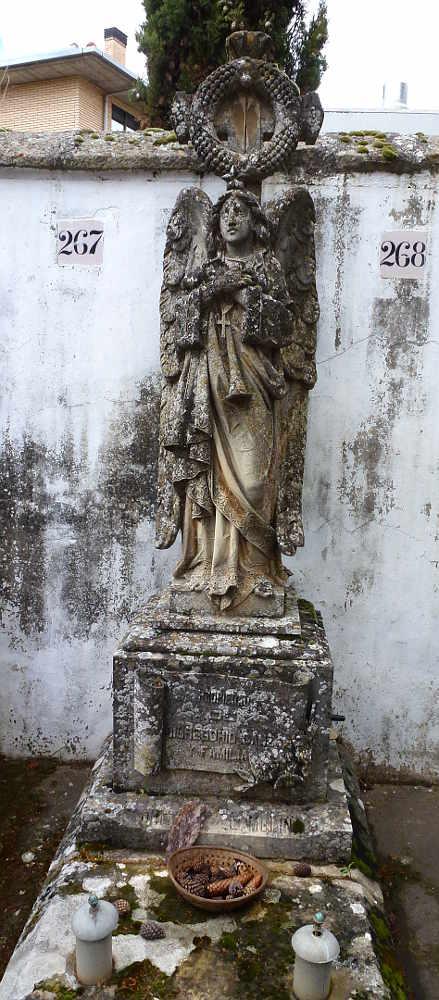 angel-con-estrella-y-corona-escultor-emilio-molina-payes