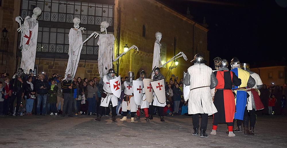templarios-y-nobles-sorianos-en-festival-del-monte-de-las-animas-de-soria
